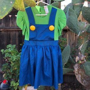 Super Mario Bros. Luigi Halloween Costume 🎃